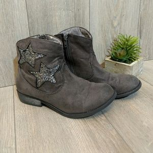 """Olive & Edie 